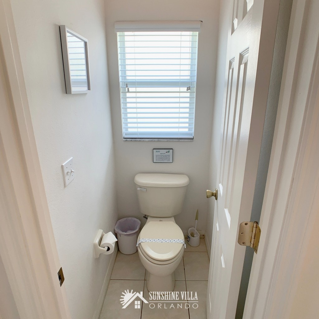 Private bathroom with separate WC / toilet at Sunshine Villa at Glenbrook Resort, a short-term vacation rental home in Orlando near Walt Disney World