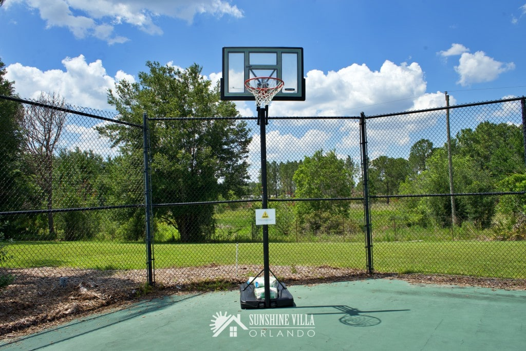 Basketball Court in Glenbrook Resort in Clermont, Florida near Orlando