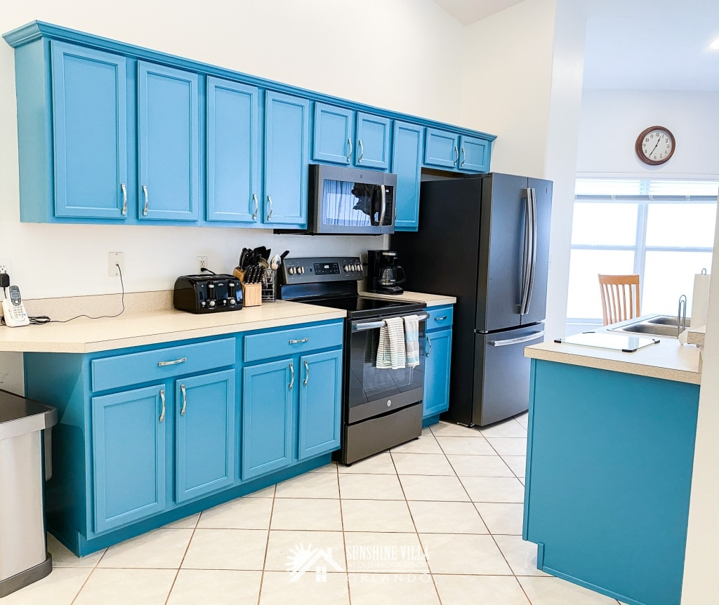 Turquoise Kitchen at Sunshine Villa at Glenbrook Resort